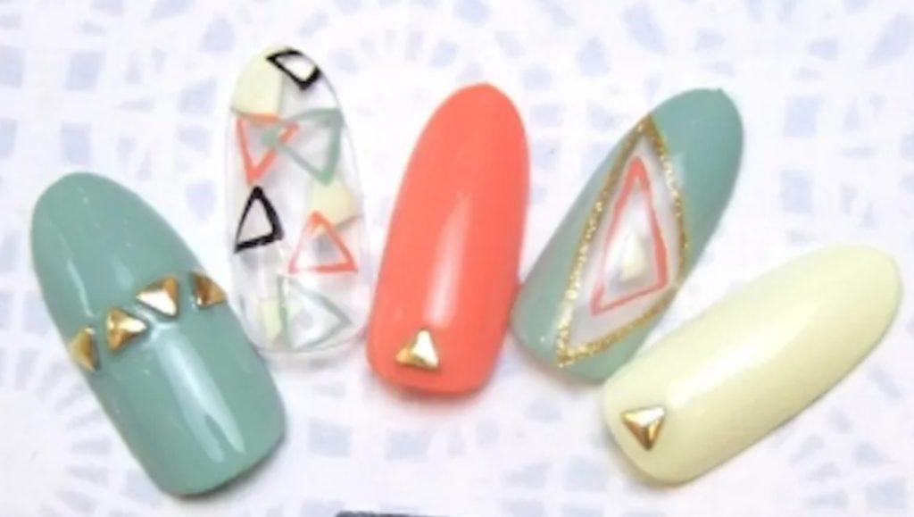 トライアングルネイルをセルフで簡単に!やり方・動画や綺麗な三角形を描くコツなど
